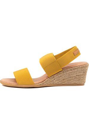 Django & Juliette Bloomy Dj Tan Sandals Womens Shoes Casual Heeled Sandals