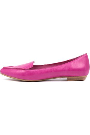 I LOVE BILLY Breane Fuchsia Shoes Womens Shoes Casual Flat Shoes