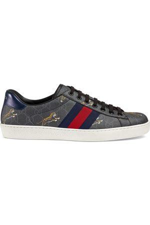 Gucci Men's Ace GG Supreme tigers sneaker