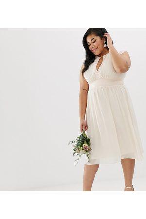 TFNC Plus Lace Detail Midi Bridesmaid Dress-Pink
