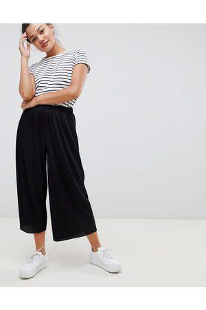 ASOS DESIGN plisse culotte pants-Black