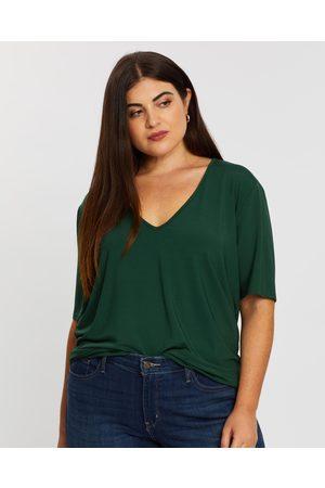 Atmos&Here Curvy Holly V Neck Tee - T-Shirts & Singlets Holly V-Neck Tee