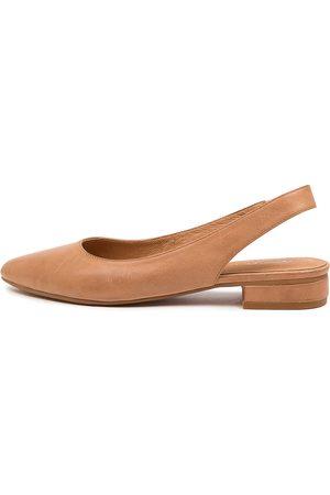Diana Ferrari Dyani Df Tan Shoes Womens Shoes Casual Flat Shoes