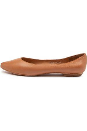 Mollini Gemine Mo Dk Tan Shoes Womens Shoes Casual Flat Shoes