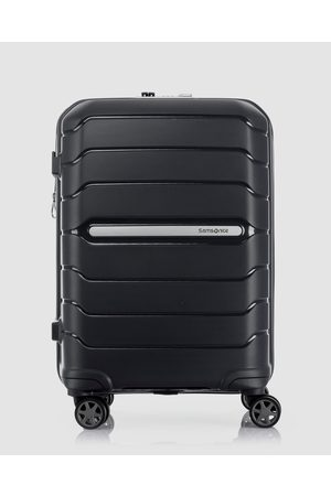 Samsonite Oc2Lite 55cm Spinner Suitcase - Travel and Luggage Oc2Lite 55cm Spinner Suitcase