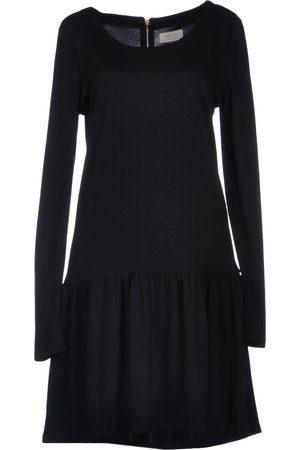 Numph Knee-length dresses