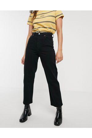 Levi's Ribcage straight leg ankle grazer jeans in black