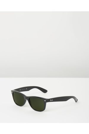 Ray-Ban New Wayfarer Classic RB2132 - Sunglasses (Solid Colour ) New Wayfarer Classic RB2132