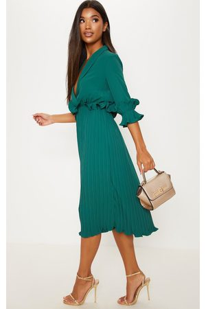 PRETTYLITTLETHING Emerald Frill Detail Pleated Midi Dress