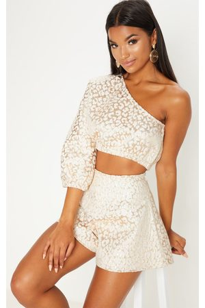 PRETTYLITTLETHING Foil Print One Shoulder Crop Top