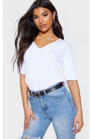 PRETTYLITTLETHING Basic V Neck T Shirt