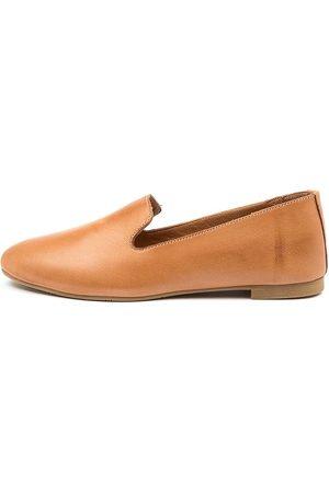 Diana Ferrari Senelna Df Tan Shoes Womens Shoes Casual Flat Shoes