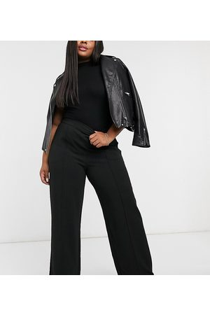 Vero Moda Pants with wide leg in black