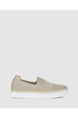 Verali Queen - Slip-On Sneakers (Neutrals) Queen