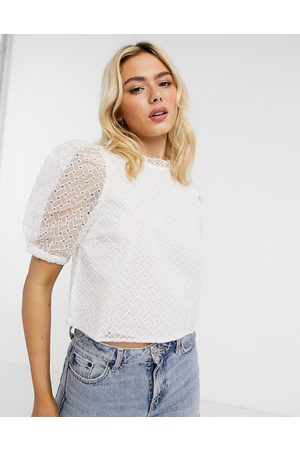 Only Deliah puff sleeve cropped top in white-Cream