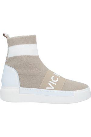 vic matiè High-tops & sneakers
