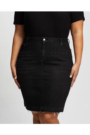 Love Your Wardrobe Harlee Stretch Denim Skirt - Denim skirts Harlee Stretch Denim Skirt