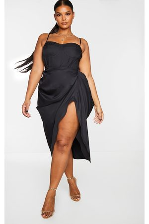 PRETTYLITTLETHING Plus Ruched Side Midi Skirt