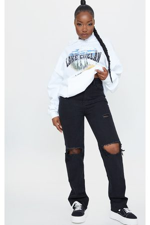 PRETTYLITTLETHING Petite Distressed Long Leg Straight Jeans