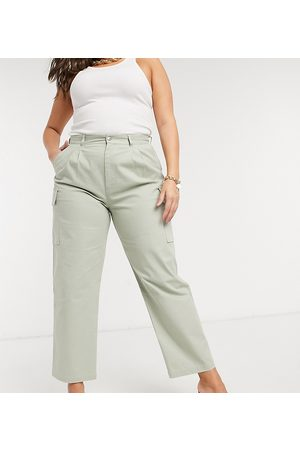 ASOS ASOS DESIGN Curve pleat front chino with cargo pockets in sage-Green