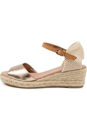 Django & Juliette Suzy Dj Champagne Lt Tan Sandals Womens Shoes Casual Heeled Sandals