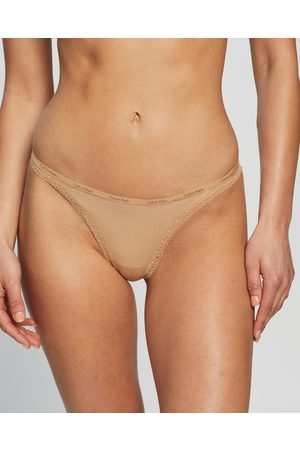 Calvin Klein Bottoms Up Thong - Thongs & G-Strings (Buff) Bottoms Up Thong