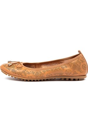 I LOVE BILLY Women Casual Shoes - Cahlo Il Tan Shoes Womens Shoes Casual Flat Shoes