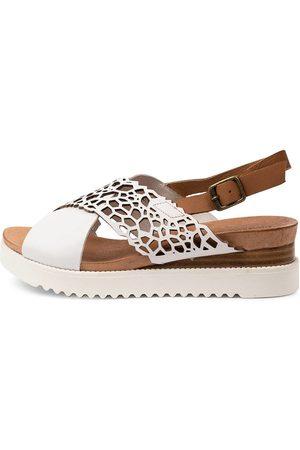 Django & Juliette Women Sandals - Auston Dj Dk Tan Sandals Womens Shoes Casual Sandals Flat Sandals