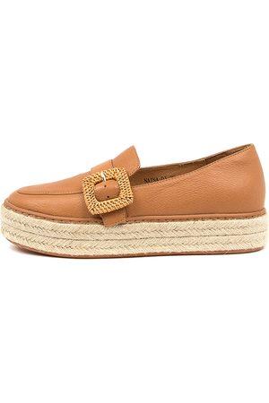 Django & Juliette Women Casual Shoes - Naina Dj Dk Tan Shoes Womens Shoes Casual Flat Shoes
