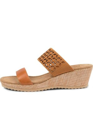 SUPERSOFT Brooke Su Tan Tan Sandals Womens Shoes Casual Heeled Sandals