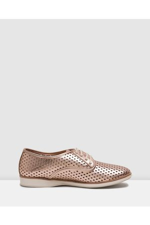 Rollie Derby Punch Shoes - Flats (Rose ) Derby Punch Shoes