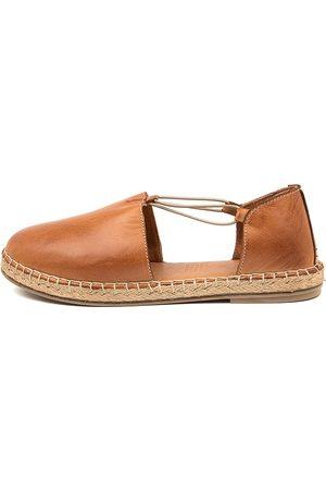 Diana Ferrari Umta Df Tan Shoes Womens Shoes Flat Shoes