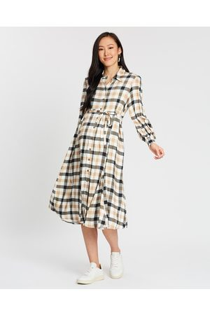 Isabella Oliver Maddison Maternity Dress - Dresses (Caramel Gingham) Maddison Maternity Dress