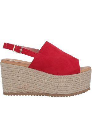 TSD12 Sandals