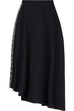 Kappa 3/4 length skirts