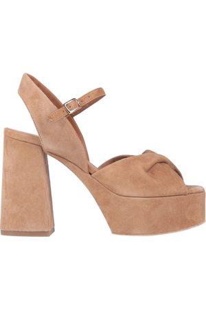 vic matiè Sandals