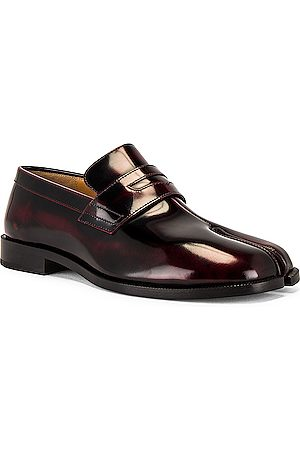 Maison Margiela Tabi Advocate Loafer in Cremisi