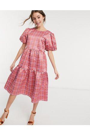Glamorous Women Midi Dresses - Midi volume smock dress in pink check