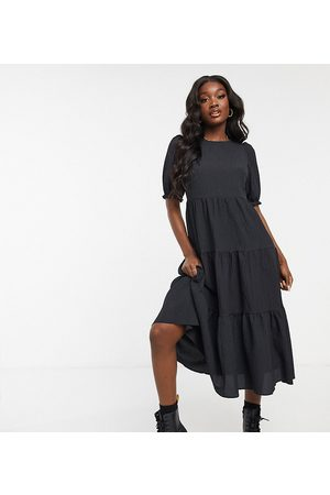 New Look Texture puff sleeve tiered midi dress in black