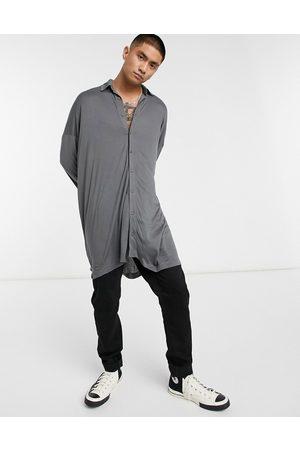 ASOS Men Casual - Extreme oversized longline viscose jersey shirt in washed black