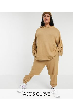 ASOS ASOS DESIGN Curve tracksuit oversized hoodie / trackies in supersoft camel-Stone