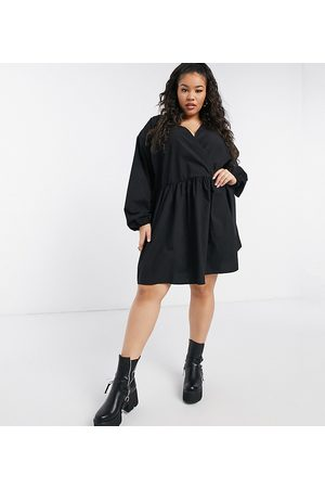 ASOS ASOS DESIGN Curve casual cotton poplin wrap front mini smock dress in black