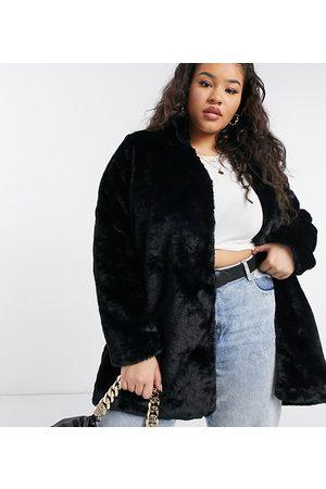 Vero Moda Faux-fur coat in black