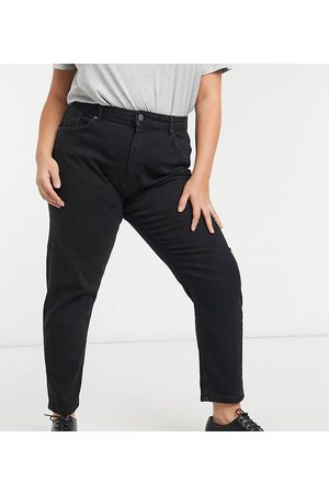 Only Veneda mom jeans in black