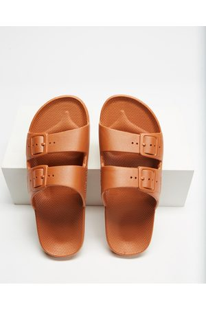 Freedom Moses Slides Unisex - Casual Shoes (Toffee) Slides - Unisex