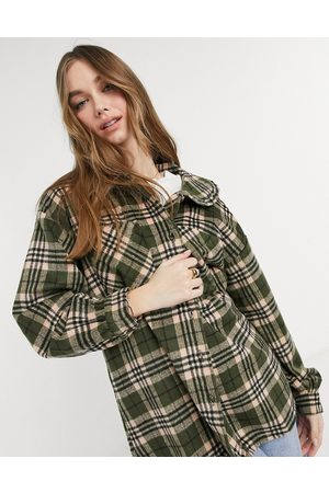 Pieces Men Casual - Oversized shirt with prairie collar in green check-Multi
