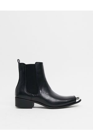 Truffle Collection Women Boots - Western chelsea boots in black with toe cap