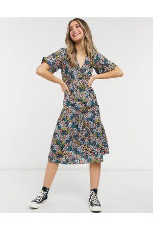 New Look Women Printed Dresses - Tier hem midi dress in mixed ditsy floral-Black