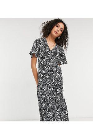 New Look Women Printed Dresses - Tiered hem midi dress in star print-Multi