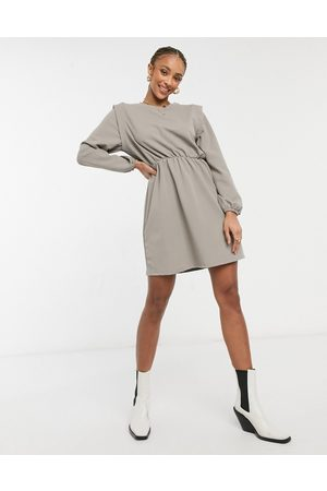 Only Jersey mini dress with strong shoulder in grey-Multi